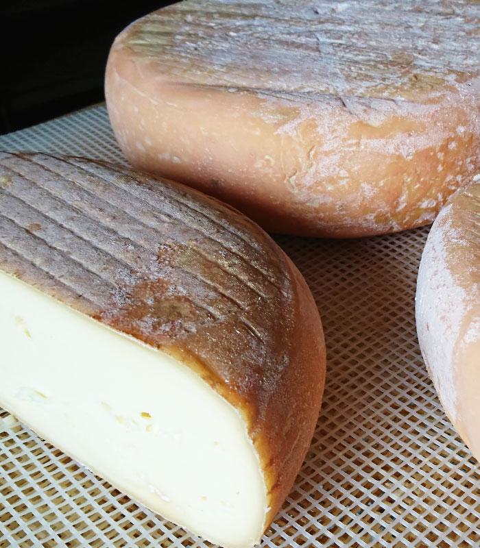 Acheter des produits bio et du fromage de vache