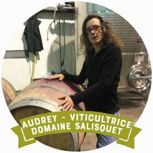 Audrey viticultrice de vin bio d'aquitaine bordeaux